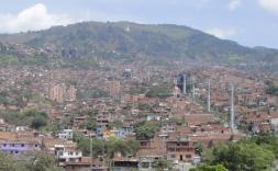 Sessió a plaça Nova: 'Ciutats per a la vida. Equitat urbana al desenvolupament'